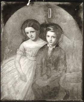 Sitzendes Kinderpaar
