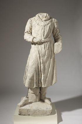 Künstlerbalustrade der Alten Pinakothek: Fragmentierte Figur des Jan van Eyck