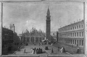 Markusplatz in Venedig mit Blick gegen Campanile und Dogenpalast