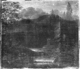 Grabdenkmal in einer Waldschlucht