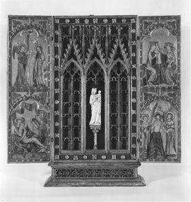 Reliquienaltärchen mit Verkündigung, Geburt Christi, Marienkrönung, Taufe Christi und nicht zugehöriger Elfenbeinstatuette der Muttergottes Flügelauß