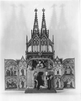 """Hausaltärchen (""""Kleiner Dom"""") mit plastischer Verkündigungsgruppe (Schrein), Szenen aus der Kindheit Jesu und Heiligen Flügelaußenseiten: Verkündigun"""