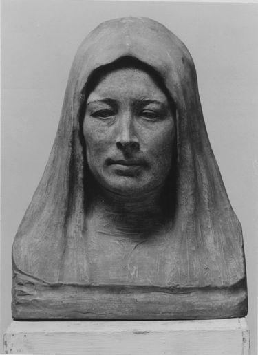 Weiblicher Kopf mit Kopftuch