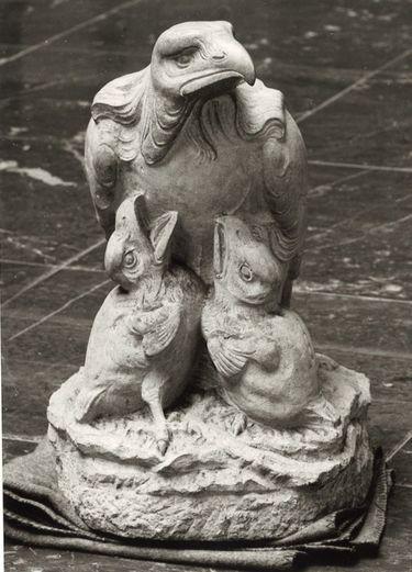 """Adler mit Jungen (""""Einst - empor"""")"""